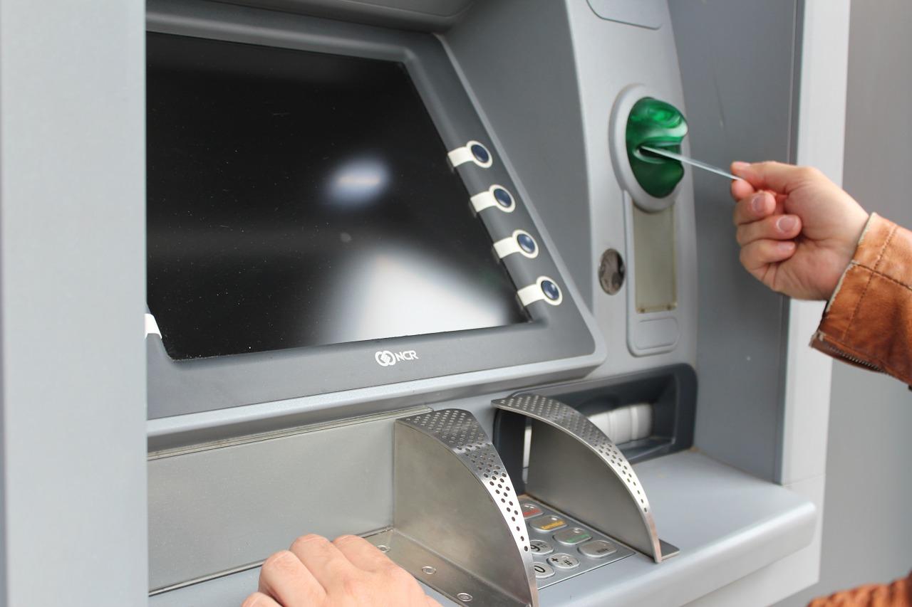【台湾留学】現地通貨は海外キャッシングを利用して入手するのがお得!