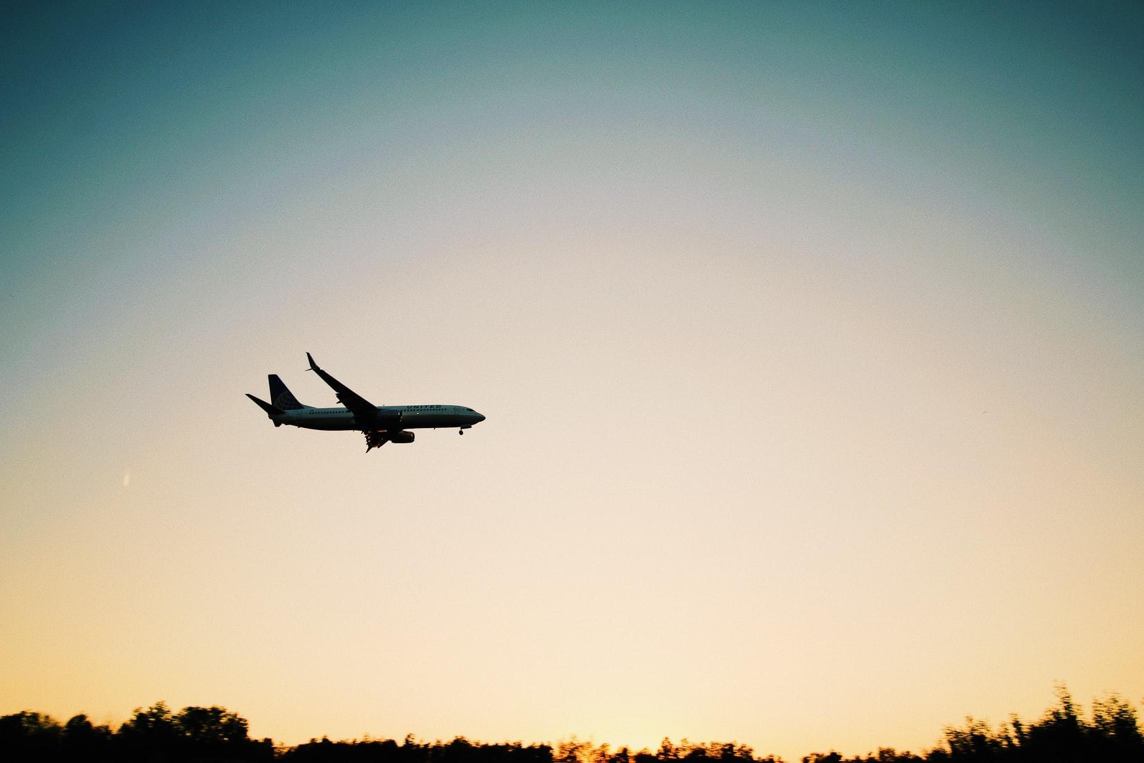 【海外留学】航空券はいつ買うべき?航空券を最安値で買うコツ
